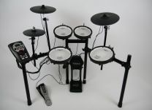 Drumstel Roland TD11KV in zeer goede staat, bijna als nieuw